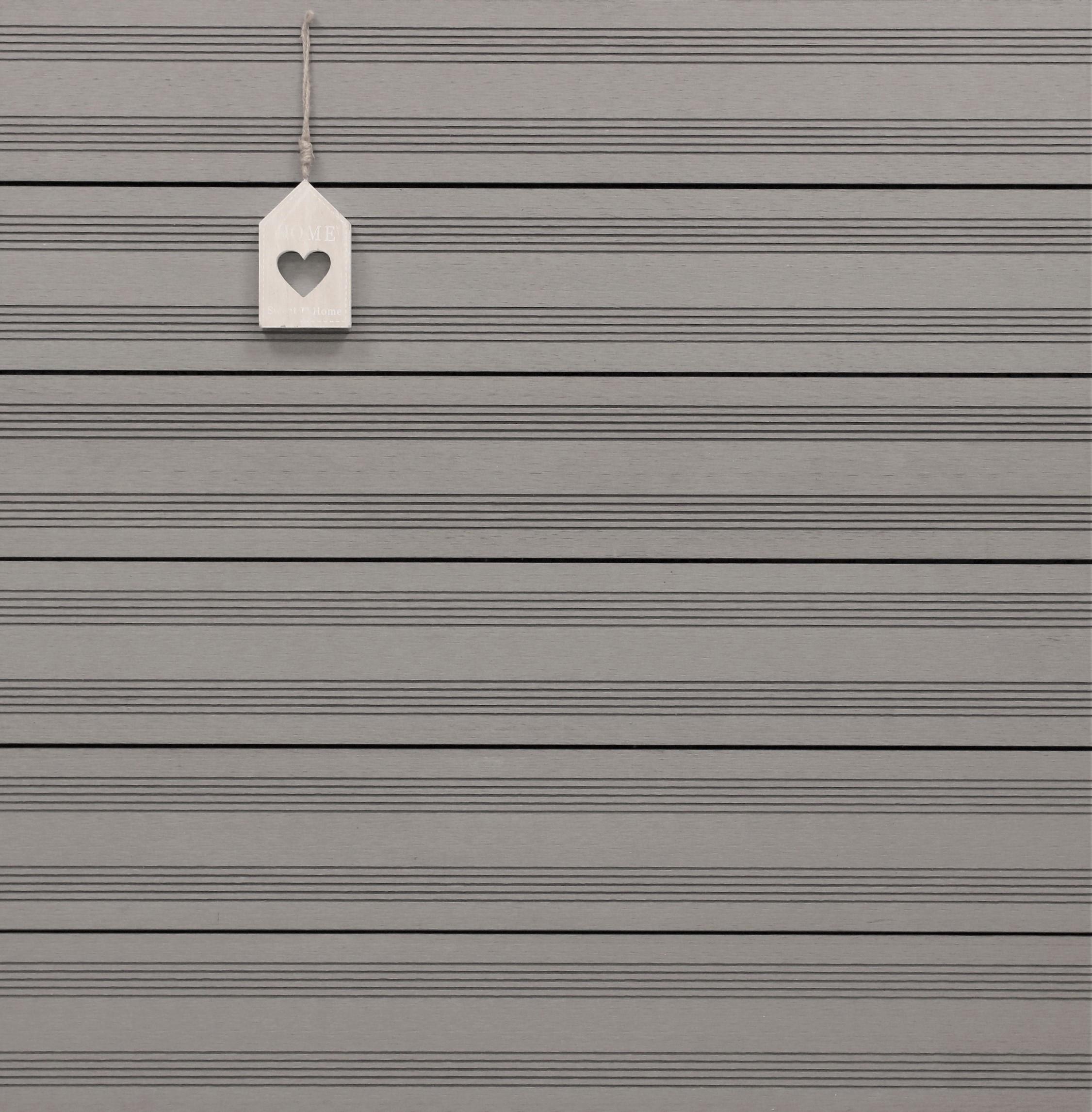 WPC Dielen massiv, Oberfläche mit französischem Profil, Farbton hellgrau, Vollprofil, 22 x 143 bis 4800 mm für 9,50 €/lfm