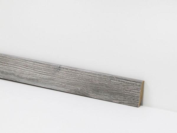 Check Vinyl Sockelleiste Nr. 2423 mit 18 x 58 x 2400 mm abgestimmt zum Dekor Wehofen Eiche