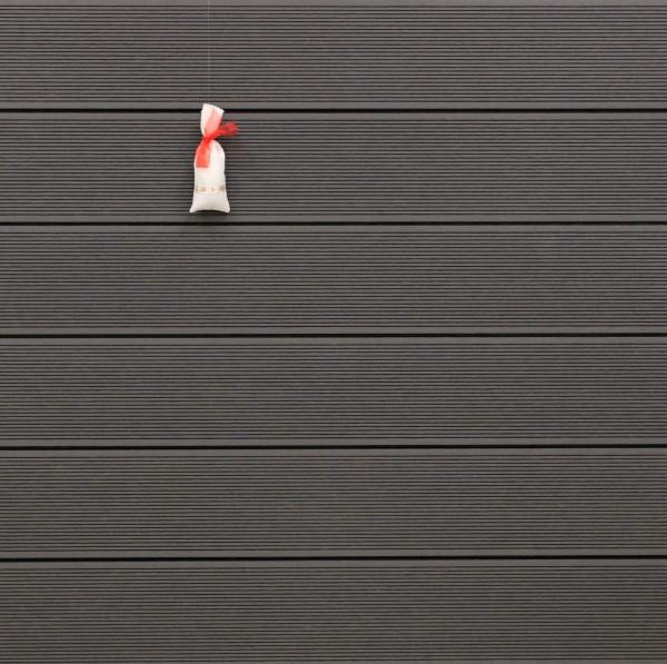 WPC Dielen Hohlkammer, Oberfläche fein gerillt, Farbton dunkelgrau, 22 x 146 bis 4800 mm für 5,30 €/lfm
