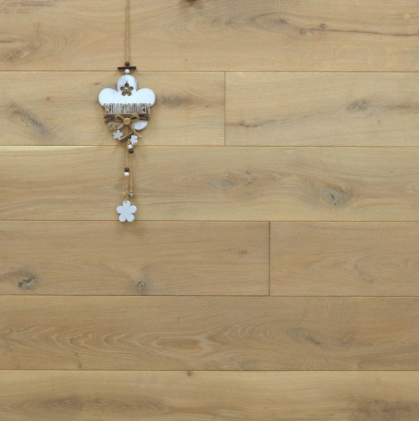 Holzdielen Eiche, mit Rubio Monocoat in Rohholzoptik geölt, Systemlängen, massiv, Kanten gefast, Nut / Feder Verbindung, Sonderanfertigung nach Kundenwunsch