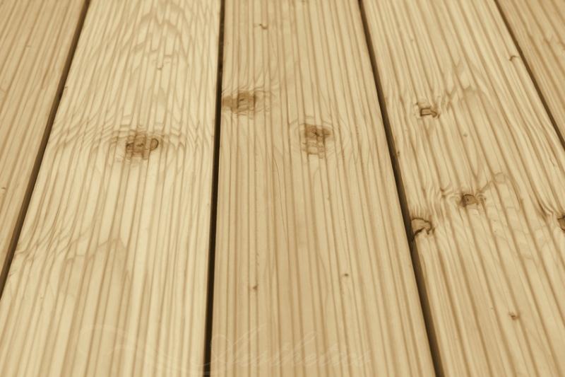 Terrassendielen Sibirische Lärche, AB Sortierung, 40 x 143 bis 5100 mm, grob genutet für 6,40 €/lfm