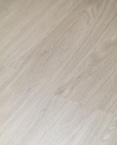 Klick Vinyl mit integrierter Trittschalldämmung, Futura Floors London, 6,5 x 175 x 1210 mm, Kanten gefast, Nutzungsklasse 33/42, Nutzschicht 0,5 mm, in Holzoptik mit stabiler SPC Vinyl Trägerplatte