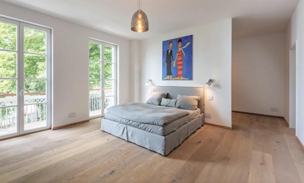 Schlossdielen Eiche Königin Elisabeth, 15 x 250 x 2200 mm, Mehrschicht Aufbau, gebürstet, gekalkt, supermatt weiß lackiert, Nut / Feder Verbindung