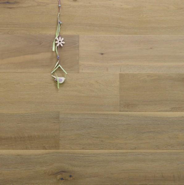 Parkett Eiche Westminster aus der Serie Nostalgie, Markant, handgehobelt, angeräuchert, gebürstet, mit einem Naturöl weiß geölt, Drop Down Klick Verbindung, 15 x 189 x 1860 mm