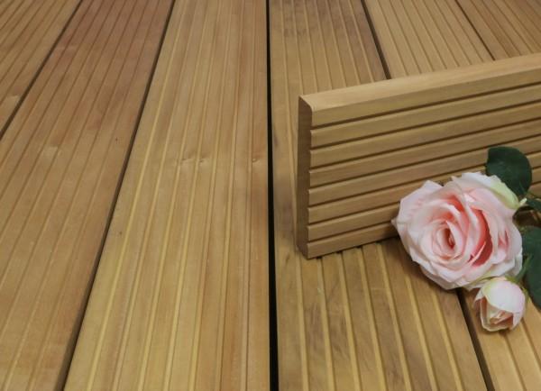 Terrassendielen Garapa Premium (KD) 25 x 145 bis 6100 mm, grob genutet für 9,90 €/lfm
