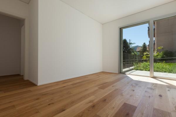 Holzdielen Eiche, mit einem Naturöl geölt, 20 x 180 mm, Langdielen von 1800 bis 2200 mm, optional in Fixlänge, massiv, Nut / Feder Verbindung