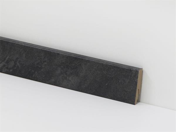 Check Vinyl Sockelleiste Nr. 3079 mit 18 x 58 x 2400 mm abgestimmt zum Dekor Crange Schiefer