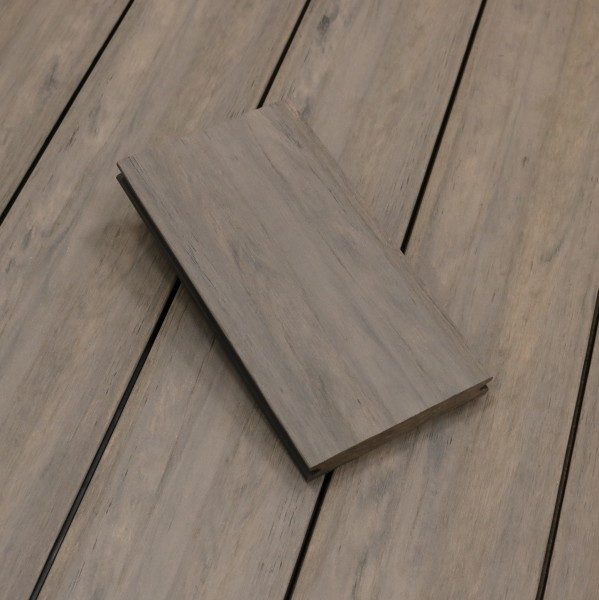 WPC Dielen massiv, Oberfläche antik gealtert, Farbton sand, Vollprofil, 22 x 143 bis 4800 mm für 8,40 €/lfm