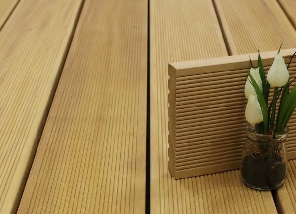 Terrassendielen Garapa Premium (KD) 25 x 145 bis 6100 mm, fein gerillt für 9,90 €/lfm