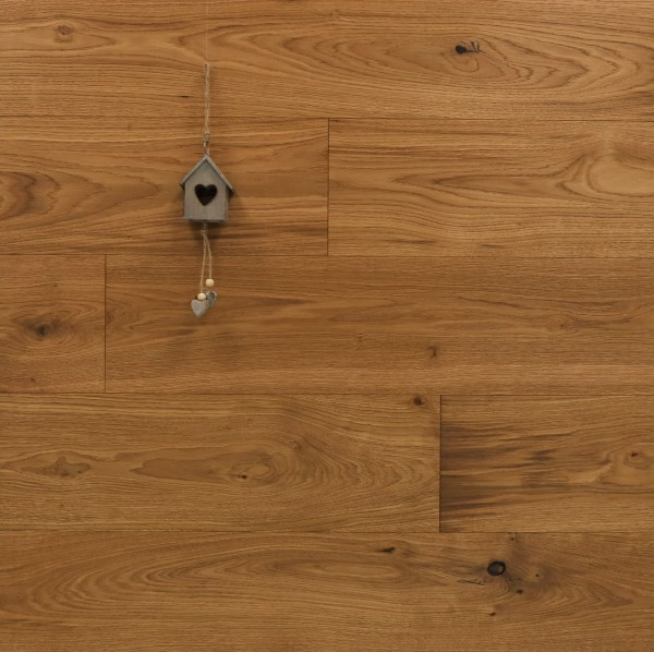 Parkett Eiche Superb aus der Serie Slim, Rustikal, gebürstet, mit einem Naturöl geölt, Nut / Feder Verbindung, 10 x 190 x 1900 mm
