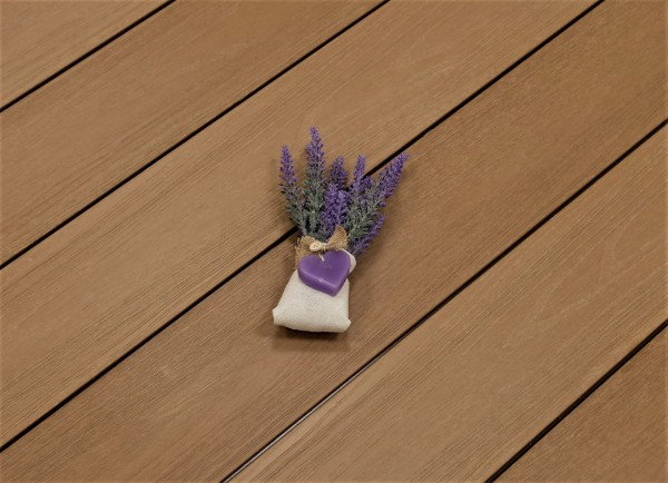 WPC Dielen ummantelt Deserto, Premium, massiv, Oberfläche mit Struktur in Holzoptik, Farbton hellbraun, Vollprofil, 22 x 143 bis 4800 mm für 10,40 €/lfm