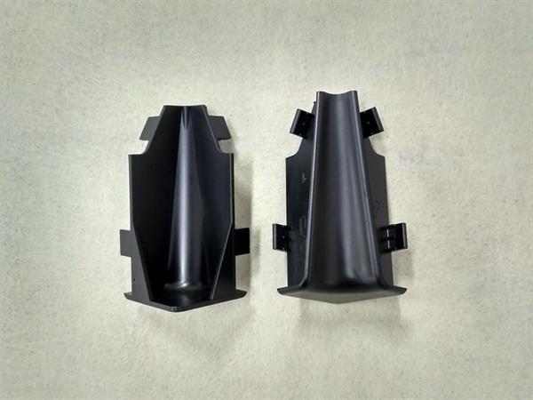 Check Sockelleisten Innenecke Set mit 2 Stück im Farbton schwarz