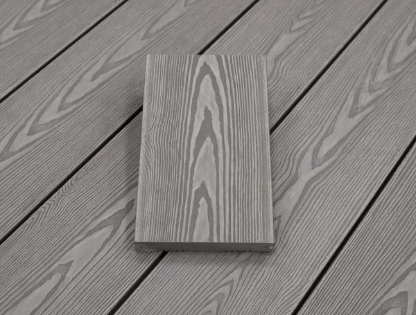 WPC Dielen massiv, Oberfläche mit 3D Struktur in Holzoptik, Farbton hellgrau, Vollprofil, 22 x 143 bis 4800 mm für 7,95 €/lfm