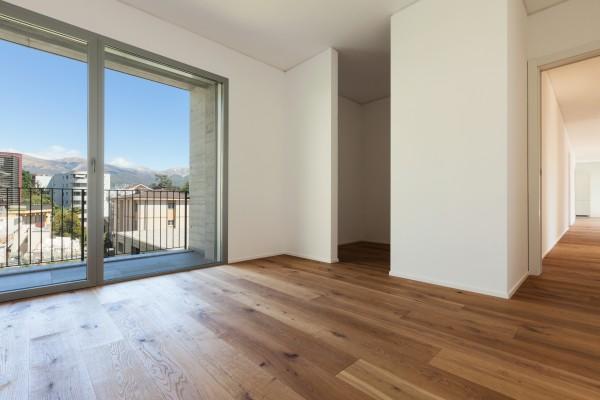 Restposten Holzdielen Eiche, geölt, 20 x 180 mm, Systemlängen von 600 bis 2200 mm, massiv, Kanten gefast, Nut / Feder Verbindung