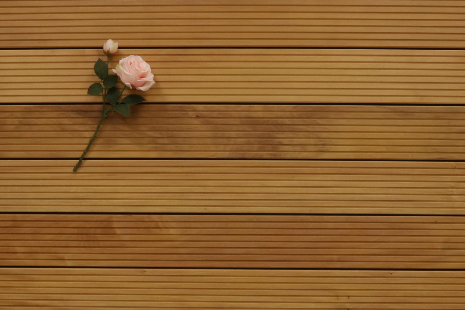 Garapa Holz Dielen für die Terrasse, 9,90 €/lfm, Premium (KD) grob genutet, 25 x 145 bis 6100 mm, Terrassendielen Bretter