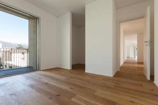 Holzdielen Eiche, mit einem Naturöl geölt, 20 x 200 mm, Systemlängen von 500 bis 2000 mm, massiv, Nut / Feder Verbindung