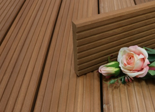 Terrassendielen Bangkirai Premium (KD) 25 x 145 x 4880 mm, grob genutet für 10,50 €/lfm